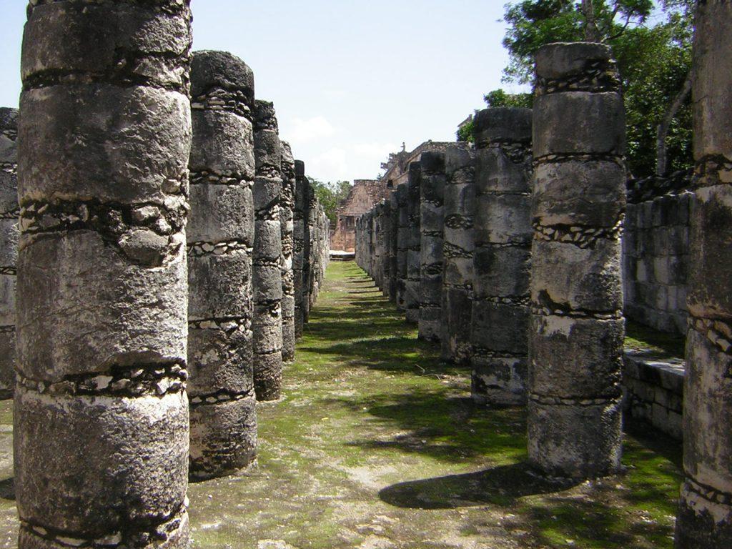 Columna de Los Mil Guerreros de Chichen Itza