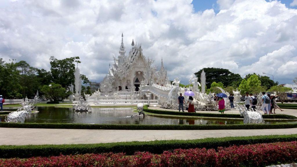 Vista central Templo Blanco de Chiang Rai