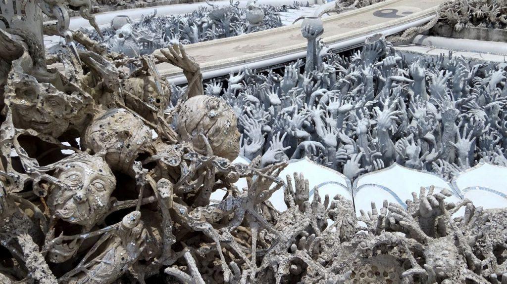 Puente inframundo Templo Blanco Chiang Rai