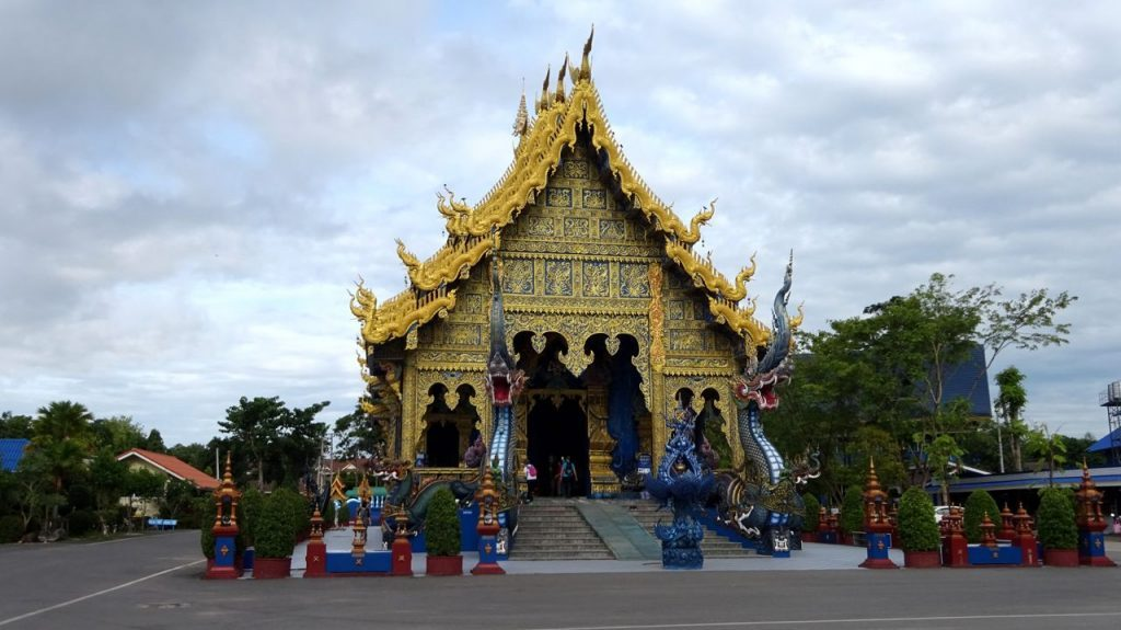 Puerta Principal al Templo Azul de Chiang Rai